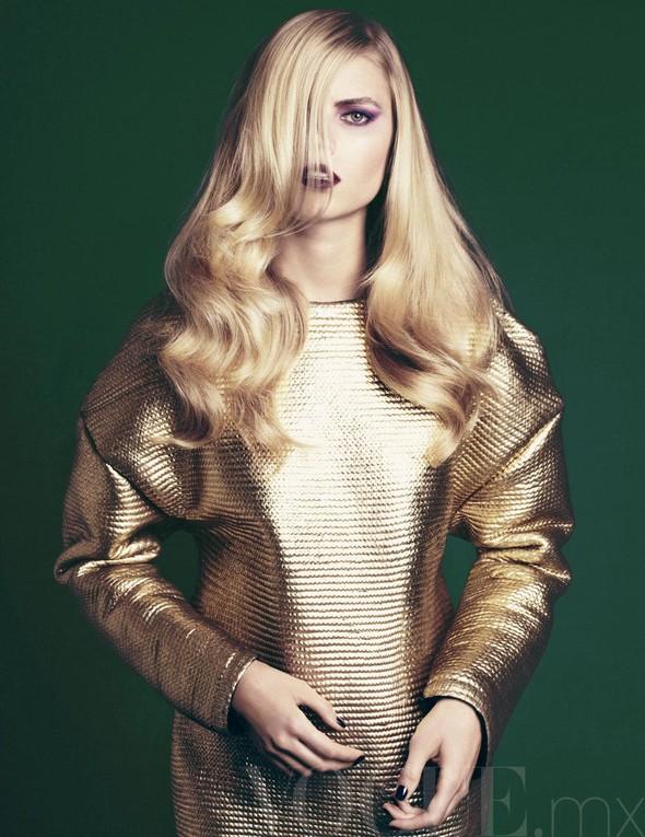 Съёмка: Марина Линчук для Vogue. Изображение № 7.