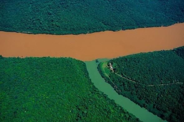 Слияние реки Уругвай и ее притока . Провинция Мисьонес, Аргентина. Изображение № 8.