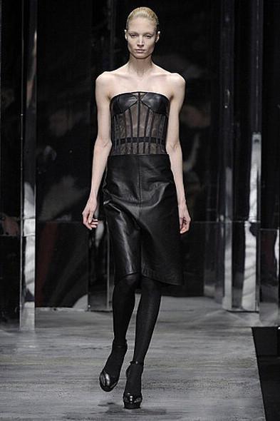 Versus, источник: www.fashionologie.com. Изображение № 16.