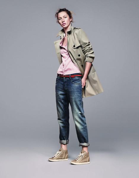 Жизель Бундхен представила новую коллекцию марки Esprit. Изображение № 1.