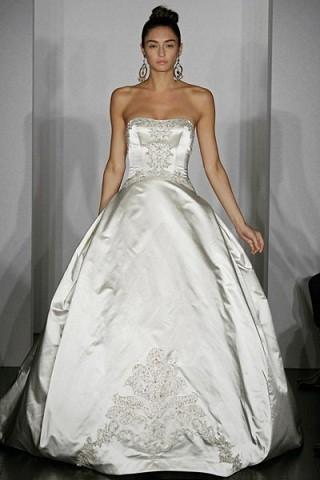 """""""Выбираем свадебное платье!"""" 93 идеи ведущих дизайнеров. Изображение № 28."""