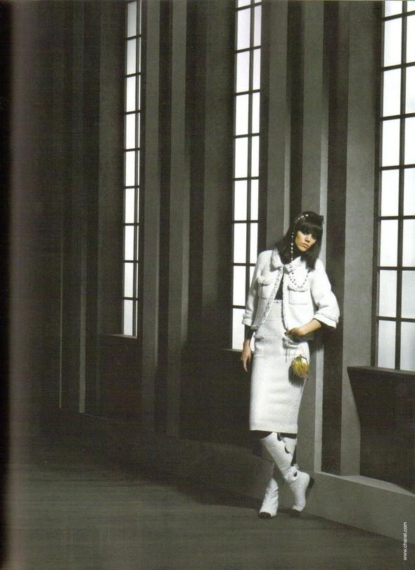 Изображение 2. Главная модель показа Chanel Фрея БеяЭриксен.. Изображение № 2.