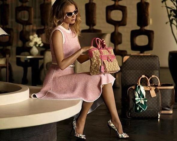 Лукбуки: Chloë Sevigny for Opening Ceremony, Louis Vuitton и Lou. Изображение № 30.