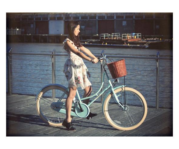 Изображение 1. Bloggers Talk: Ясмин Хауэлл, автор Friend in Fashion.. Изображение № 5.