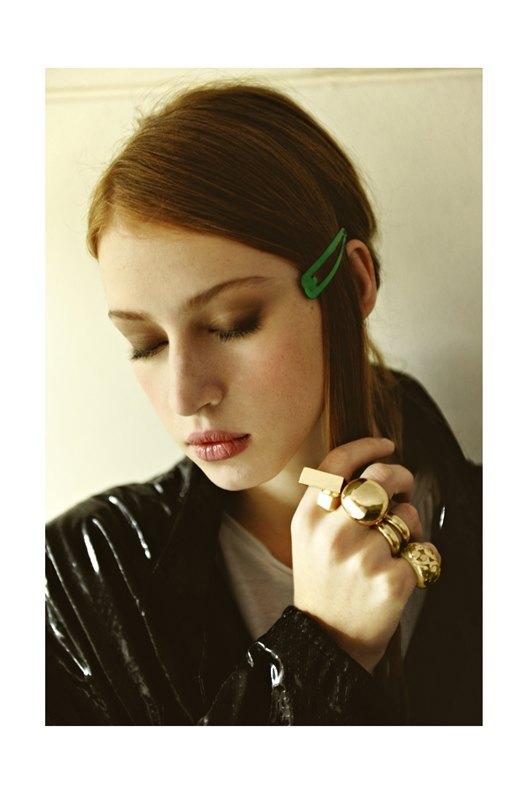 Chanel, Trends Brands и Urban Outfitters показали новые лукбуки. Изображение № 76.