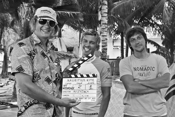 Новички пусть сидят дома: Сергей Мысовский о серфинге на Гавайях, Таити и других любимых местах. Изображение № 24.