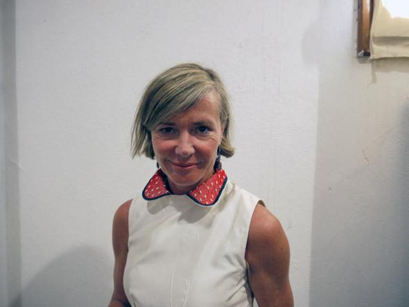 Дизайнер Jupe Джеки Виллевойе в платье собственного дизайна. Изображение № 21.
