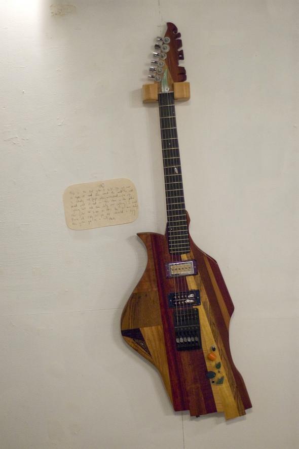 Странные гитары Бена Симона. Изображение № 9.