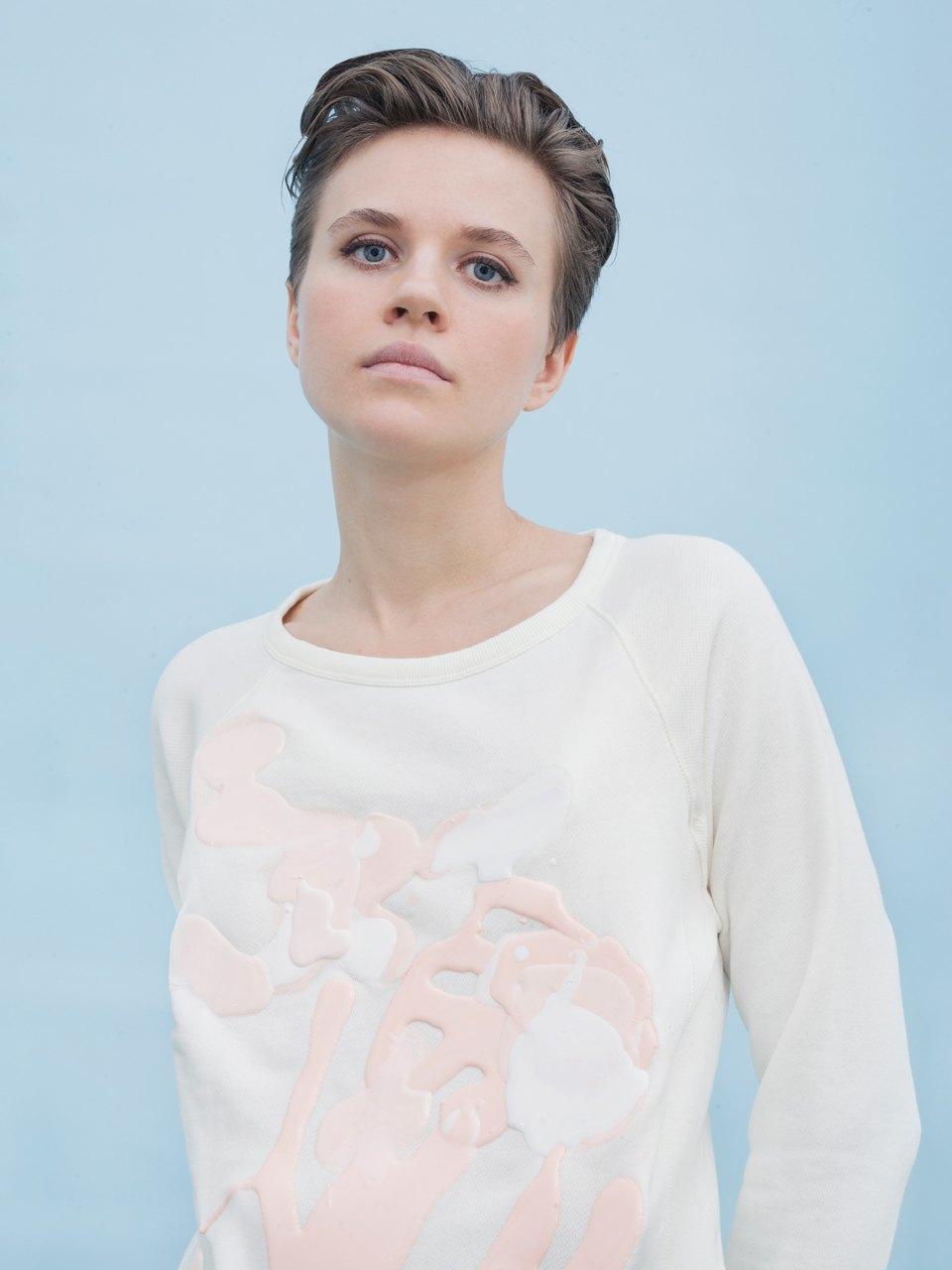 Трансформация банального: молодые художники переосмысляют одежду. Изображение № 4.