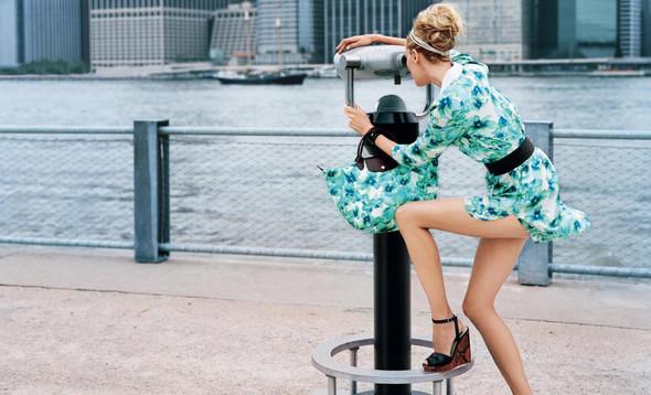 Кампания: Коко Роша и Лииса Уинклер для Longchamp SS 2012. Изображение № 6.