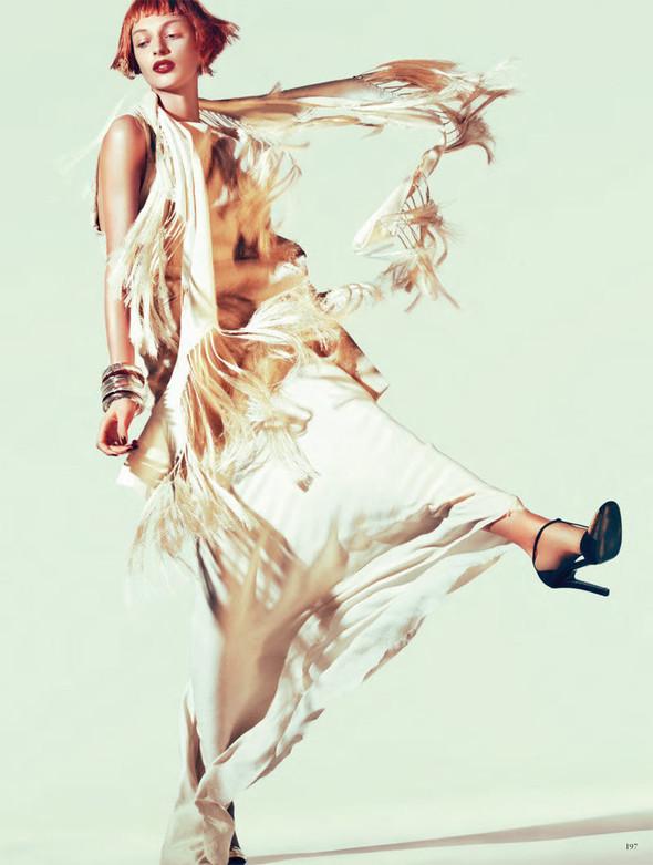 Съёмка: Дага Зёбер для Vogue. Изображение № 8.