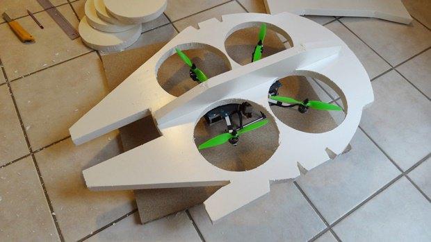 Энтузиаст построил дрон в виде «Тысячелетнего сокола». Изображение № 5.