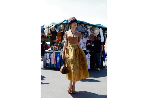 Уличный стиль на Неделе высокой моды в Париже. Изображение № 21.