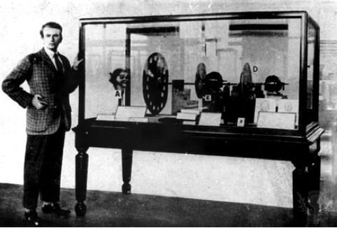 Джон Бэрд и его «телевизор», 1925 г. . Изображение № 16.