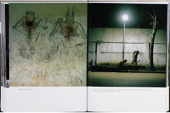 12 альбомов фотографий непривычной Африки. Изображение № 120.
