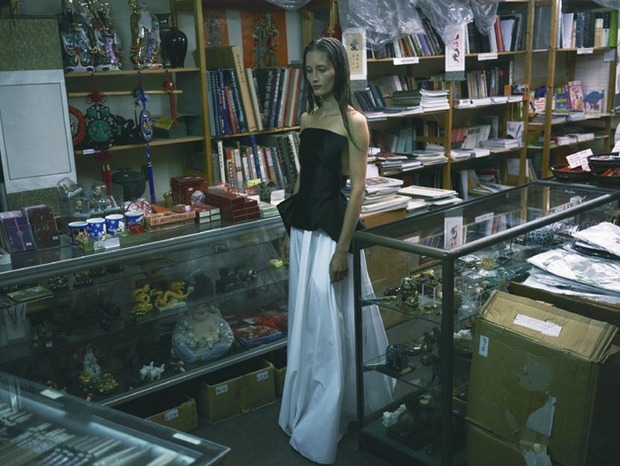 A.P.C., Chanel, MM6, Mother of Pearl, Paule Ka и Yang Li выпустили новые лукбуки. Изображение № 133.