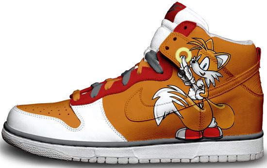 Метаморфозы белых кроссовок Nike. Изображение № 7.