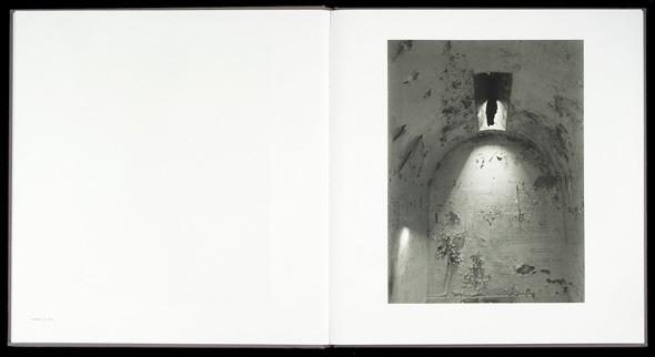 Закон и беспорядок: 10 фотоальбомов о преступниках и преступлениях. Изображение № 50.