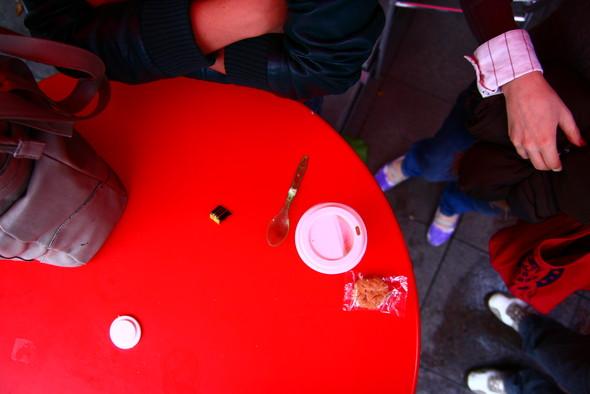 Привет кофе и сигареты. Изображение № 4.