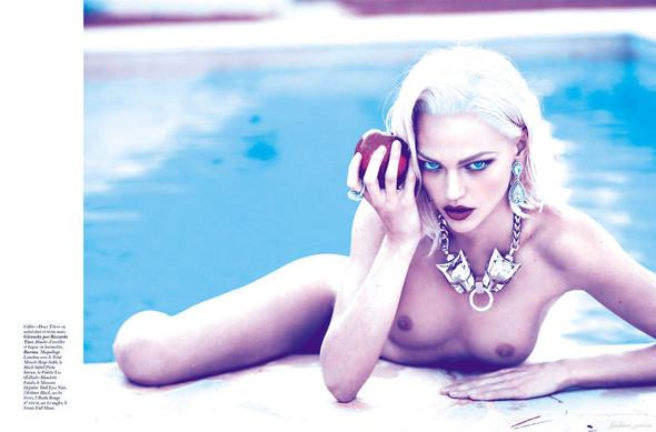 Съёмка: Аня Рубик и Саша Пивоварова для Vogue. Изображение № 2.