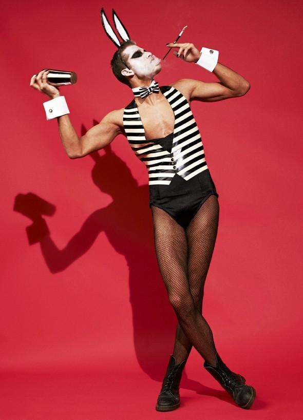 Съёмка: Мариано Виванко для Candy. Изображение № 3.