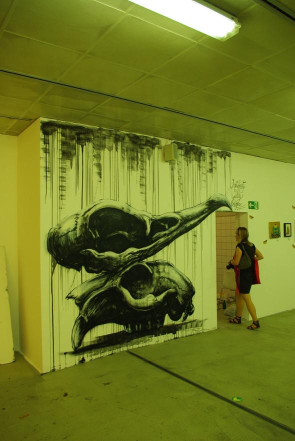 Животный стрит-арт от бельгийского граффитчика ROA. Изображение № 24.