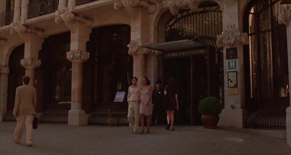 1. Casa Fuster Пятизвездочный отель в Эшампле с прекрасными видами на старый город — в том числе из бассейна на крыше. Здание построил Луис Доменик-и-Монтанер, каталонский архитектор-модернист, отстроивший половину бульвара Грасиа, и столь же знаковый, но чуть менее популярный, чем Антонио Гауди.. Изображение №69.