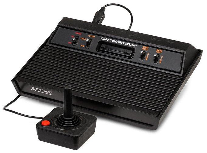 Консоль Atari 2600, которая вероятно была утилизирована в Нью-Мексико. Изображение № 1.