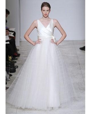 """""""Выбираем свадебное платье!"""" 93 идеи ведущих дизайнеров. Изображение № 50."""