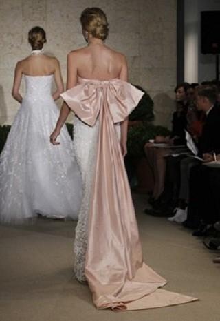 """""""Выбираем свадебное платье!"""" 93 идеи ведущих дизайнеров. Изображение № 36."""