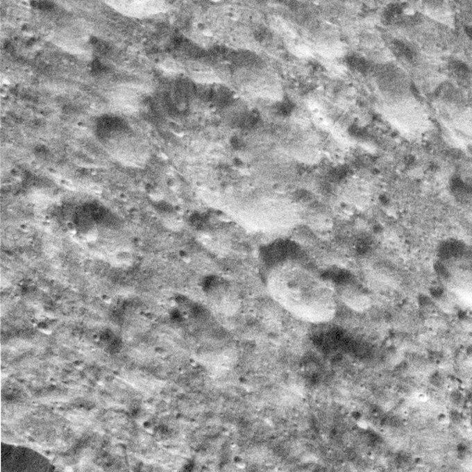 Фото дня: последние снимки спутника Сатурна от Cassini. Изображение № 6.