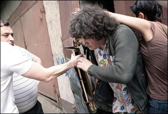 2010-05-15. Москва. Дом Наркомфина. Выставка со взломом. Изображение № 23.