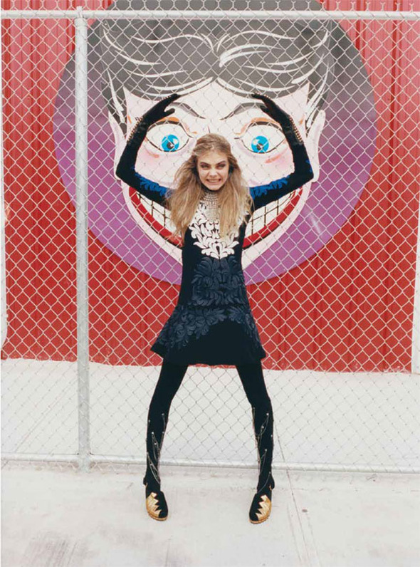 Стоп-кадр: Новые съемки Love, Russh, Vogue и V. Изображение № 43.