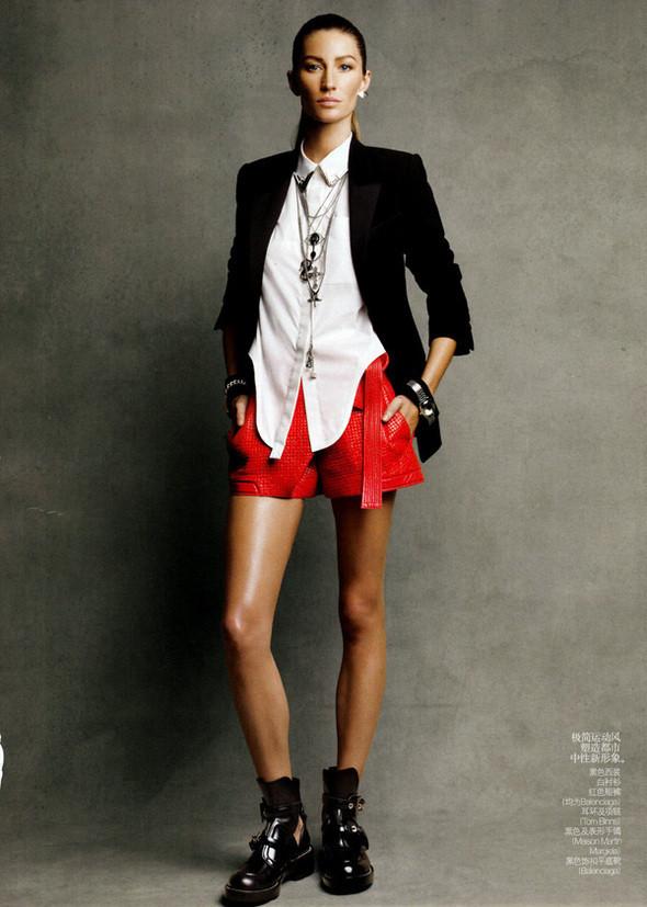 Изображение 56. Съемки: Harper's Bazaar, Metal, V и Vogue.. Изображение № 51.