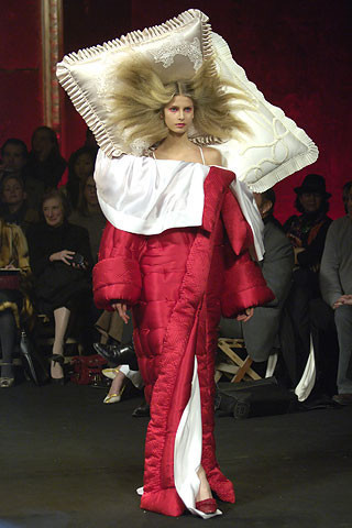 Viktor & Rolf fall-winter '07–08. Изображение № 10.