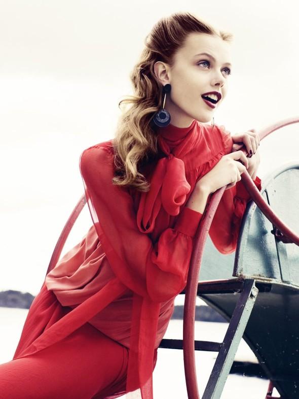 Съёмка: Фрида Густавссон для Elle. Изображение № 5.
