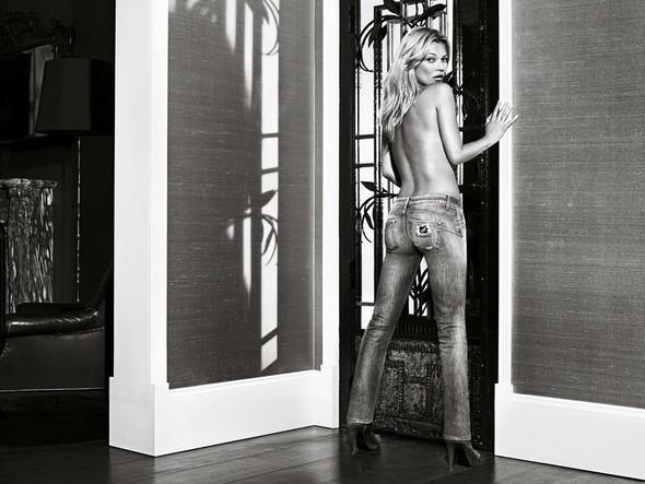 Кампания: Кейт Мосс для Liu Jo SS 2012. Изображение № 2.