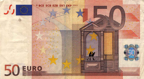 Художник в знак протеста изрисовал банкноты на 3555 евро. Изображение № 34.