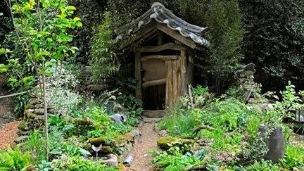 Hae-woo-so (Emptying One's Mind)  - живописный сад для туалета. В Корее поход в туалет имеет сакральный смысл: очищение не только тела, но и духа.. Изображение № 3.