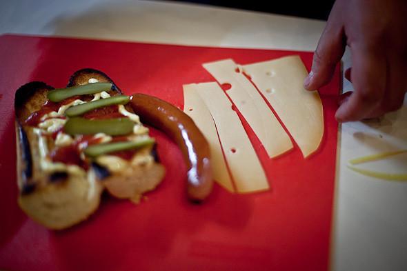 Быстро и вкусно: Сандвичи, хот-дог и три брускетты. Изображение № 16.
