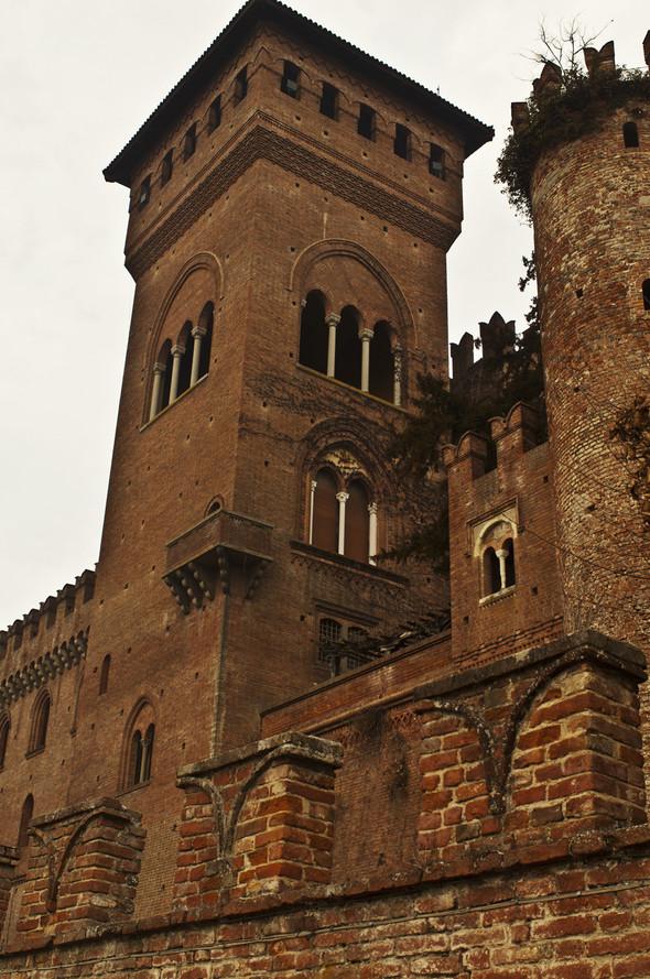 Обитаемые замки Пьемонта, где и сегодня живут графы и маркизы. Изображение № 5.