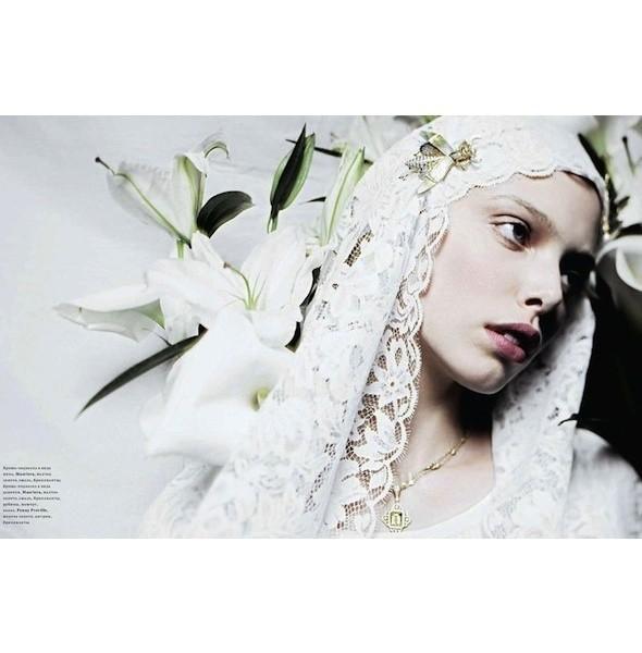 5 новых съемок: Amica, Elle, Harper's Bazaar, Vogue. Изображение № 21.