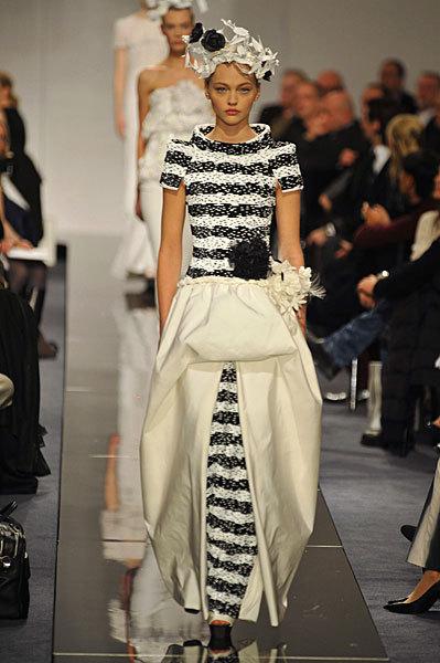 Chanel Spring 2009 Haute Couture. Изображение № 63.