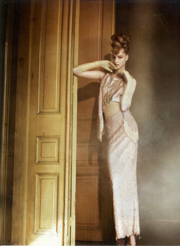 Съёмка: Розанна Георгиу для Vogue. Изображение № 6.