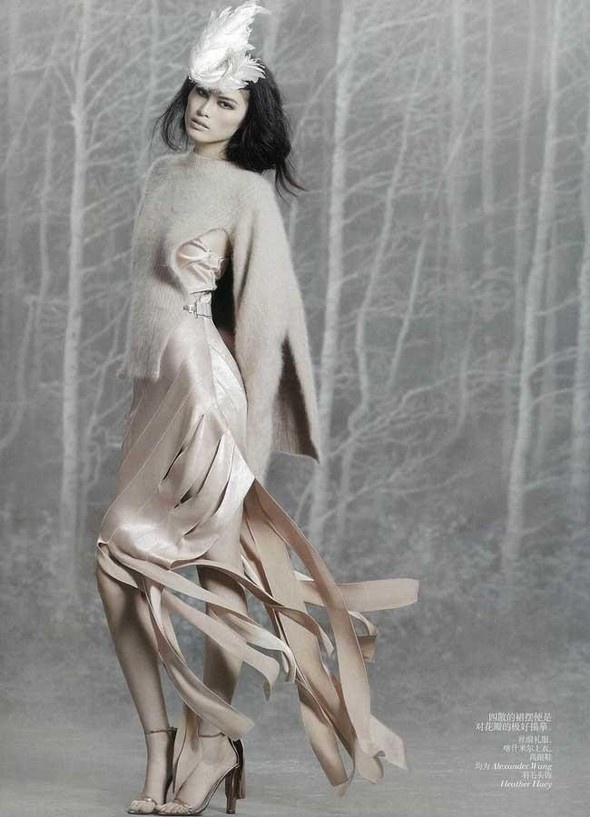 Съёмка: Суй Хэ для китайского Vogue. Изображение № 4.