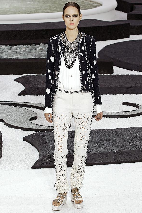 Карл Лагерфельд показал одну из самых красивых коллекций, когда-либо созданных для Chanel. Изображение № 2.