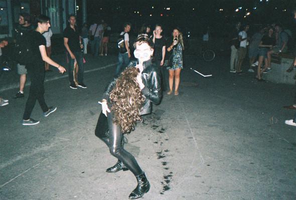 Прямая речь: Фотографы вечеринок о танцах, алкоголе и настоящем веселье. Изображение № 118.