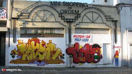 Граффити художники Os Gmeos о творческом пути. Изображение № 31.
