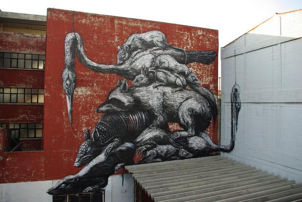 Животный стрит-арт от бельгийского граффитчика ROA. Изображение № 14.