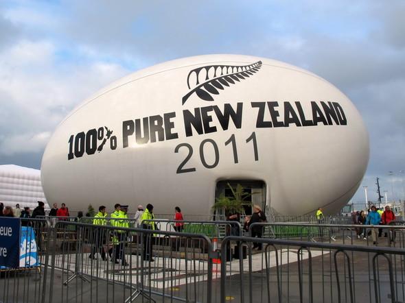 Новая Зеландия играет в регби. Изображение № 14.